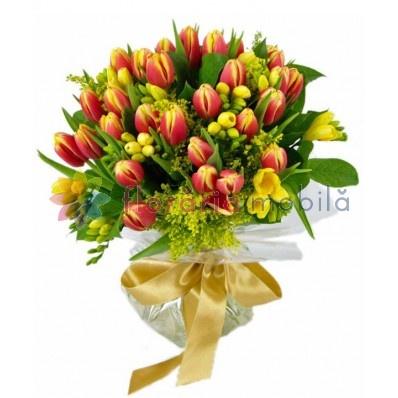 buchete lalele si frezii, florarie online, comanda flori