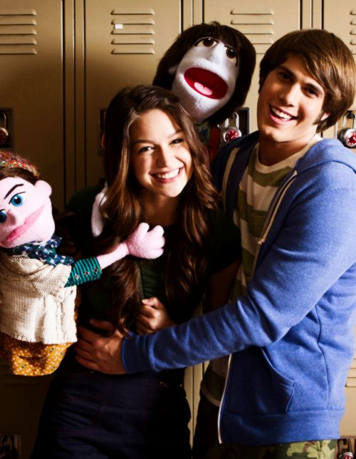 Melissa, Blake and their puppets. MELISSA AND BLAKE ARE GETTING MARRIED I'M SO EXCITED OMG :D :D #shippedsohard