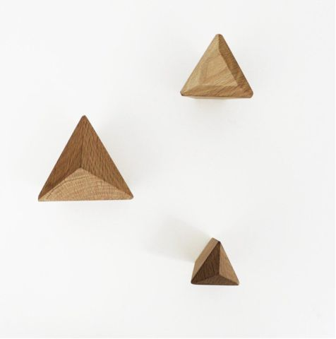 Oak Pyramid Hook