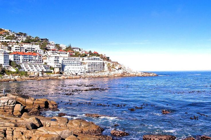 Your Guide to Bantry Bay Holiday Rentals & Luxury Accommodation.     Cape Town Vacation Rentals - Serviced & Furnished Holiday Homes, Villas, Bungalows and Apartment Rentals throughout the Western Cape.