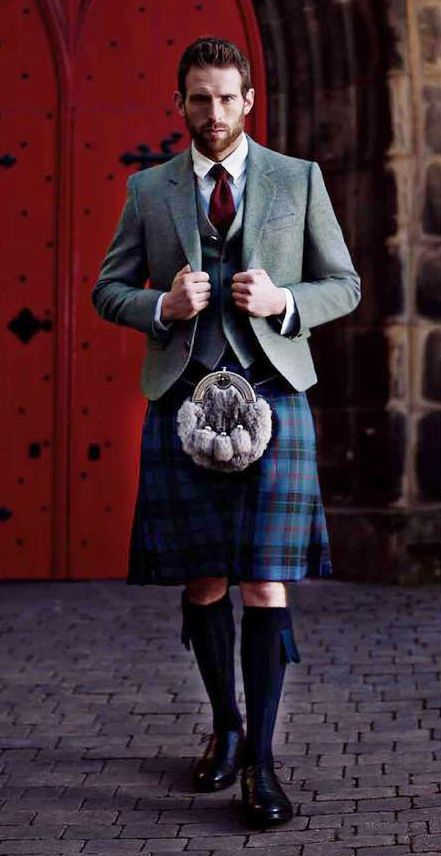 Kilted - really gorgeous layering, here.                                                                                                                                                     Plus