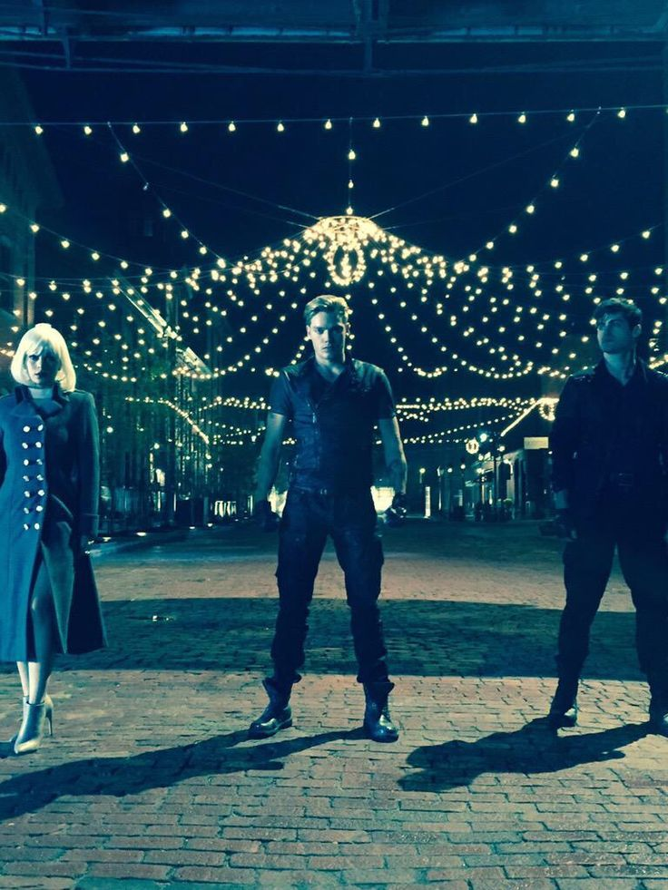 Isabelle, Jace, and Alec // SHADOWHUNTERS tv show. I'M FANGIRLING WAY TOO MUCH RIGHT NOW!!!