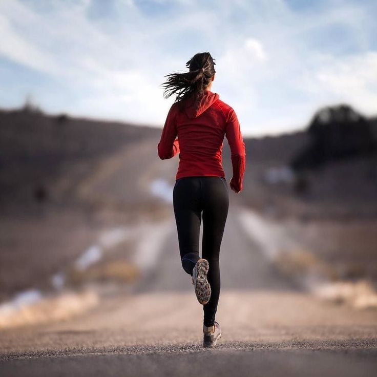 A year from now you'll wish you started today. .. .. #Repost @sweatcoinus  > Greetings it's Sweatcoin.   Want to know what running does to a physical body? I have browsed the nets and found these facts for you from the University of UTAH  Over 1 billion pairs of running shoes are sold world-wide each year.  104.3 calories are burned every mile when running at a 10 minute/mile pace.  The fastest mile was run by Moroccan Hitcham El Guerrouj in 3:43:13 in 1999. Interestingly enough the second…