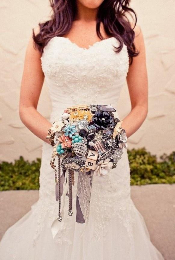 Bouquet de mariage de cru ♥ fait main sur mesure Bouquet de mariage de cru Broche