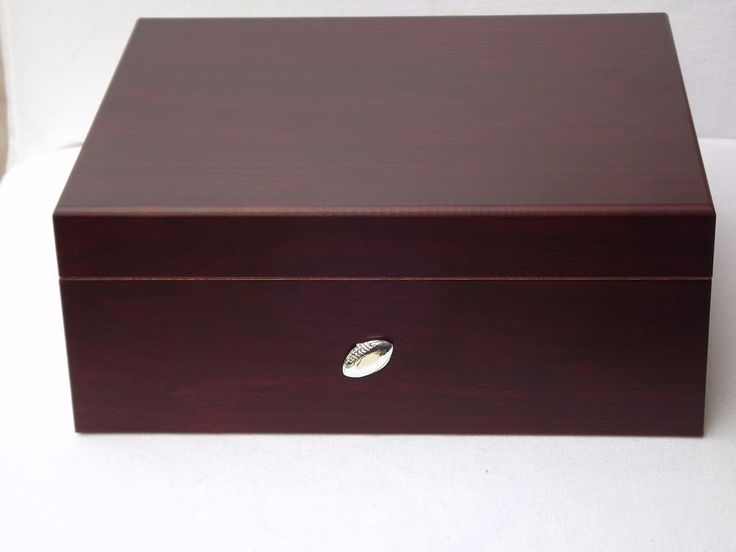 Cherry Desktop Humidor - Humidifier - Hygrometer Hold 50 Count Soccer