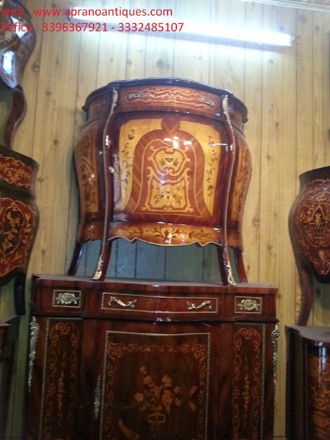 credenza con intarsi sorrentini  aparador bonito e elegante com porta e gaveta sólida estrutura feita de madeira incrustada com típico Sorrento, todos com acabamento em laca.  Transporte em toda a Itália.