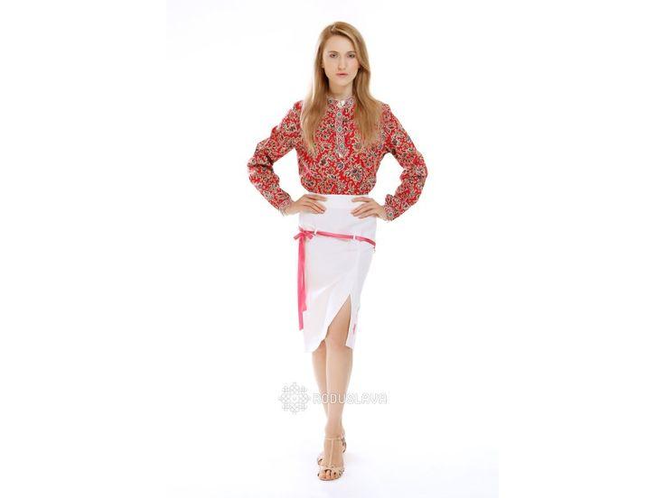 Dámská sukně s tradičním slovanským znakem strojového vyšívání