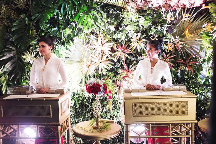 Traditional Sundanese Wedding With A Magical Indoor Garden - 028