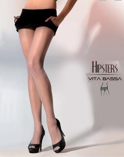 De Hipsters heuppanty's van Gabriella zijn één van de allermooiste heuppanty's met een extra brede tailleband en een verstevigd broekje, wat zorgt voor een perfect draagcomfort. Daarnaast hebben de Hipsters heuppanty's een zachte, 20 denier dunne stretchstof met een zijden glans en een verstevigd teengedeelte in dezelfde kleur, zodat je met een gerust hart je pumps aan kunt doen en niet bang hoeft te zijn voor ladders.