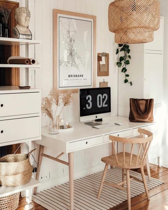 Bureau Blanc – Weißer Schreibtisch in einem Arbeitsbereich – Scandi Farmhouse-Stil – Einkauf