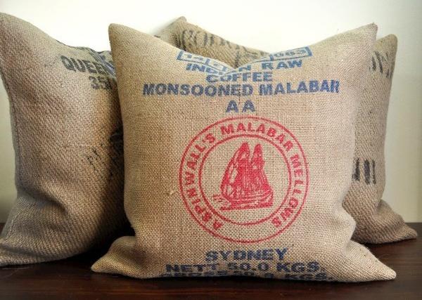 burlap pillows: Coffee Beans Bags, Bags Pillows, Memorial Bags, Coffee Bags, Burlap Pillows Bags, Bags Ideas, Coffee Bean Bags