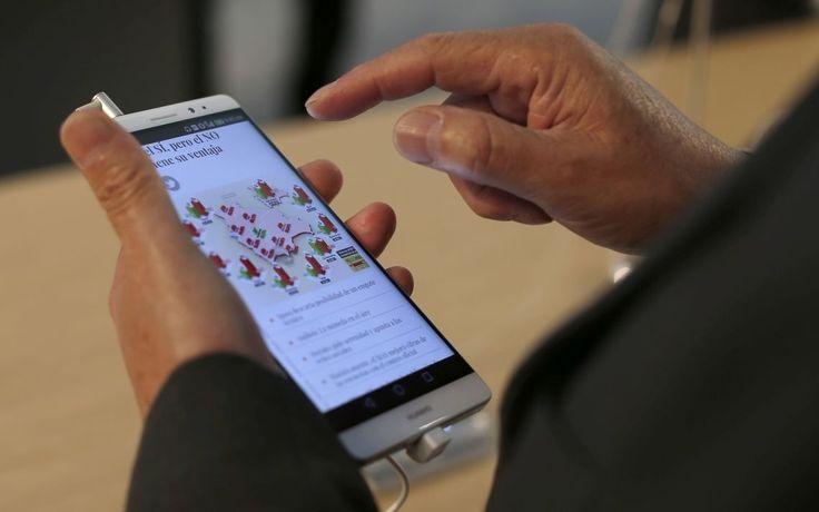 Americká Ústredná spravodajská služba CIA v spolupráci s britskou tajnou službou údajne vyvinula program, ktorý jej umožňuje prevziať kontrolu nad rôznymi masovo používanými technologickými zariadeniami, napríklad smartfónmi s operačnými systémami Android a iPhone či inteligentným televízorom od Samsungu.