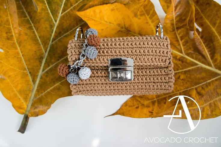 "22 lượt thích, 1 bình luận - Avocado crochet (@avocado_style) trên Instagram: ""BAG CROCHET #handmade #crochet #saigon #avocado #shopping #beach #travel #mix #vietnam #vietnamese…"""