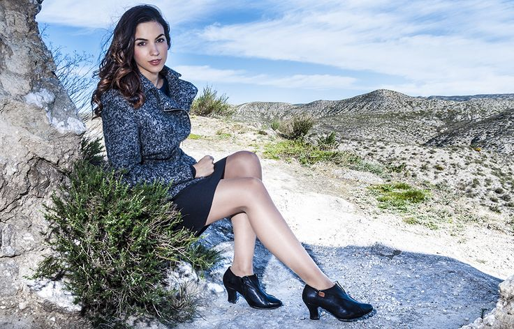 Botines extracómodos con tacón de carrete. #madeinspain #calzadoartesanal #zapatoshechosamano #zaragoza #ecológico #modasostenible
