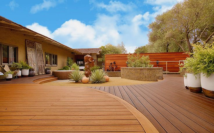 #Trex Transcend in Tiki Torch and Lava Rock creates the right combination of #decking for a West Coast feel.