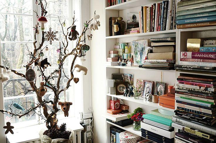 close up tree branch xmas tree.  Chez Elisa Lempicka et Gaspard de Dreuzy, Honoré 2 ans | The Socialite FamilyThe Socialite Family