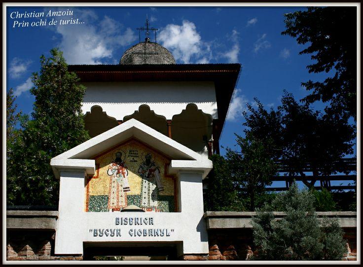 "Little church of ""Bucur the sheepherder"", who legend says founded the city of Bucharest... http://prinochideturist.wordpress.com/2013/09/18/biserica-bucur-si-legenda-bucurestiului/"