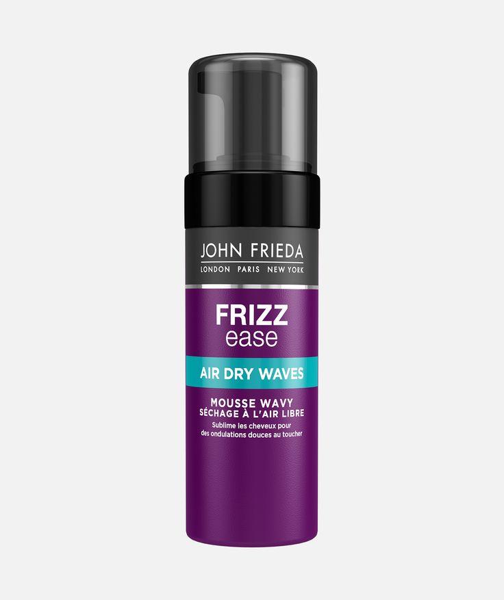 Découvrez la Mousse Coiffante Frizz Ease Ondulations Air-Libre John Frieda pour de belles vagues capillaires définies sans effet casque ni rendu carton