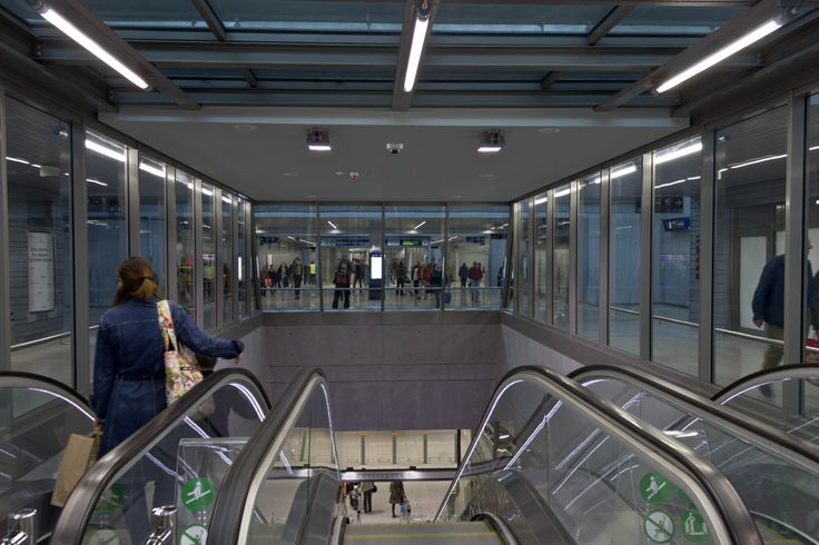 Kelenföld vasútállomás station, Metro 4, Budapest  http://www.budapestwithus.hu/a-fuzold-a-negyes-metro/
