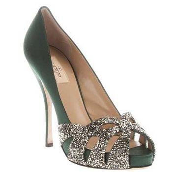 Manolo Blahnik Twilight Wedding Shoes | Colore e cristalli per le scarpe da sposa