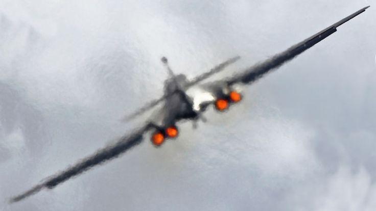 "B-1 Bomber Buzzes Sturgis Bike Rally, Redefines The Term ""Loud Exhaust"""