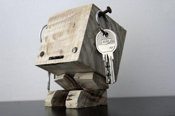 Avete dei #chiodi? Avete un quadratino di #legno? Ecco che cosa potreste farne! #DIY #HomeMade