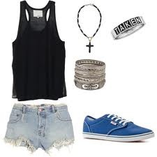 Hipster clothes are so gorgeous. I wish I had the money to dress like a hipster all the time