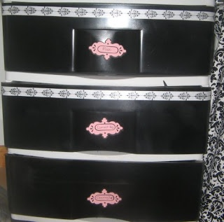 Spray paint for plastic drawers