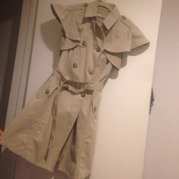 RED Valentino sleeveless trench coat RED Valentino short flutter sleeve trench coat with belt. Size 42 which is a size 4. Pretty over summer or spring dresses. RED Valentino Jackets & Coats Trench Coats