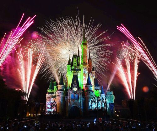 Disney estrena centro de energía solar en forma de Mickey Mouse...
