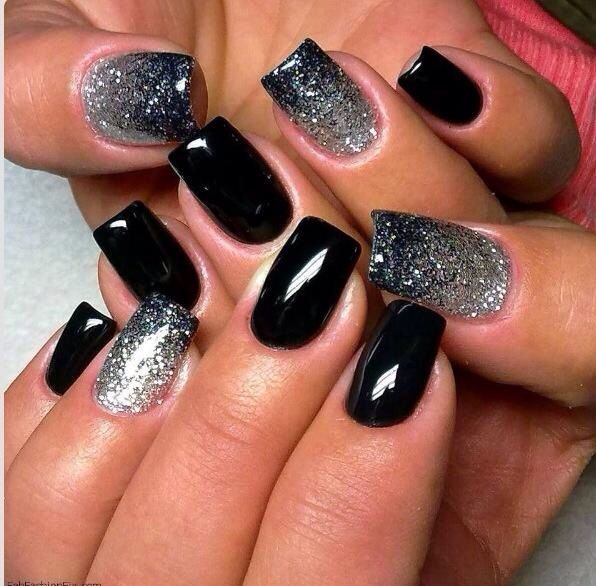 Black tips ombré glitter nails