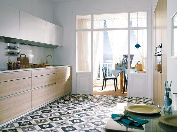 17 mejores ideas sobre cocinas de madera clara en for Cocinas claras modernas