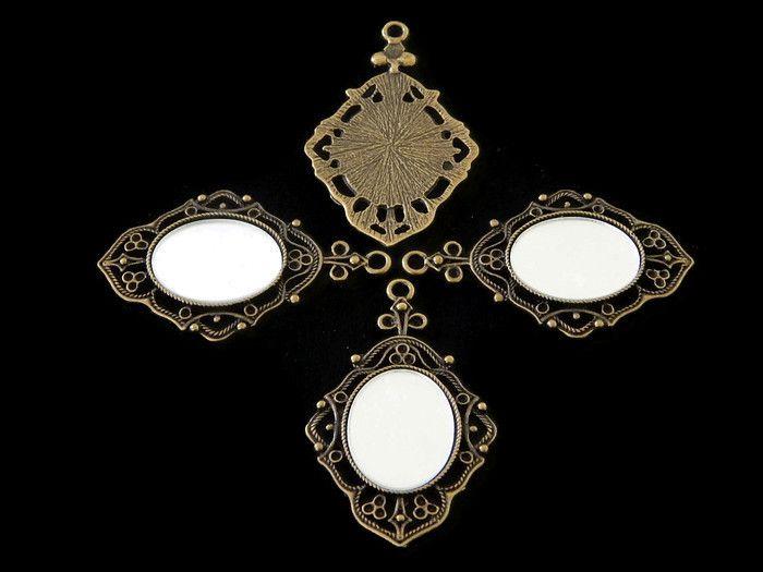 COVE -03 Camafeo en oro viejo, con espejo, (con plástico protector para que no se ralle) medida 5.5x3.5cm, único precio de oferta $7 pesos pieza