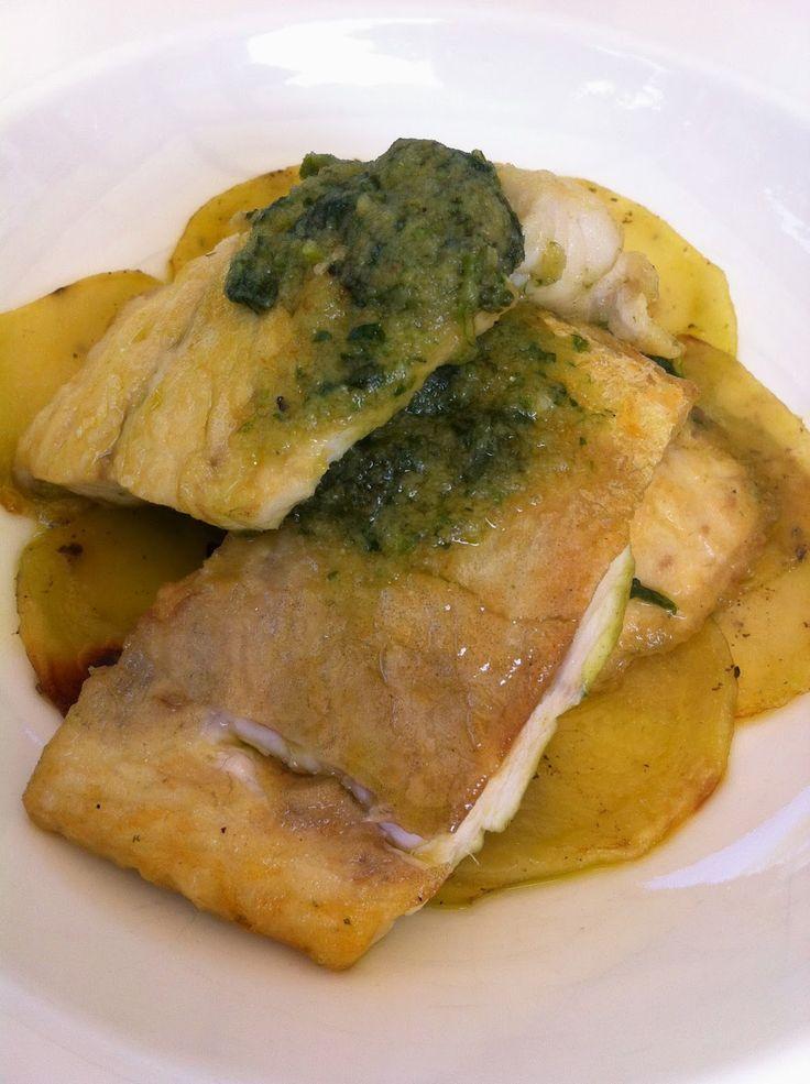 Un secondo di pesce facile, gustoso, sano!!! :D   Vi piace!? :D  http://www.bimby-ricette.it/2015/04/con-e-senza-bimby-branzino-con-patate-e.html  Provate questa ricetta e ditemi se vi piace!!! :D  http://www.bimby-ricette.it/2015/04/con-e-senza-bimby-branzino-con-patate-e.html