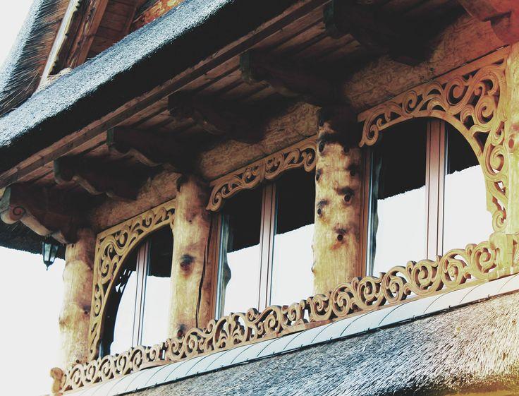 Woodcarving Polish folk house. Snycerstwo w Góralskim Domu