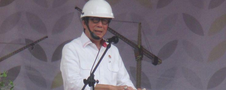 BEKASI KOTA ,17November 2017– Menteri Hukum dan Hak Asasi Manusia Republik Indonesia (Menkumham) Yasonna H. Laoly bersama Walikota Bekasi Rahmat Efendi meletakkan batu pertama sebagai tanda dimul…