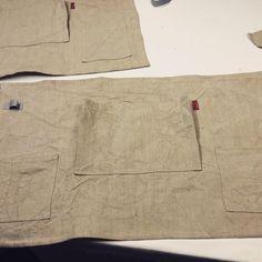 Arbetar fram bästa prototypen för ett trädgårdsförkläde. Eftersom jag inte är någon trädgårdsmänniska är det tur att jag får support och designhjälp av bästa #lindaschilen dessa förkläden i linne, mocka och i jeanstyg kommer finnas att köpa i växthuset på Överjärva gård i påsk. #linne #trädgårdsförkläde #satyg