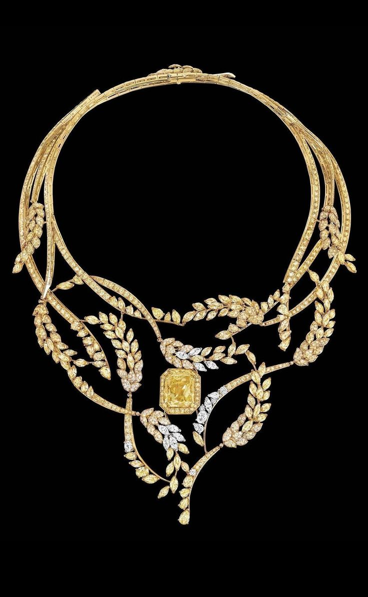 Chanel Puts the Oui in Wheat in Its New High Jewelry Collection. This is the diamond Fête des Moissons necklace. #JewelryNecklaces