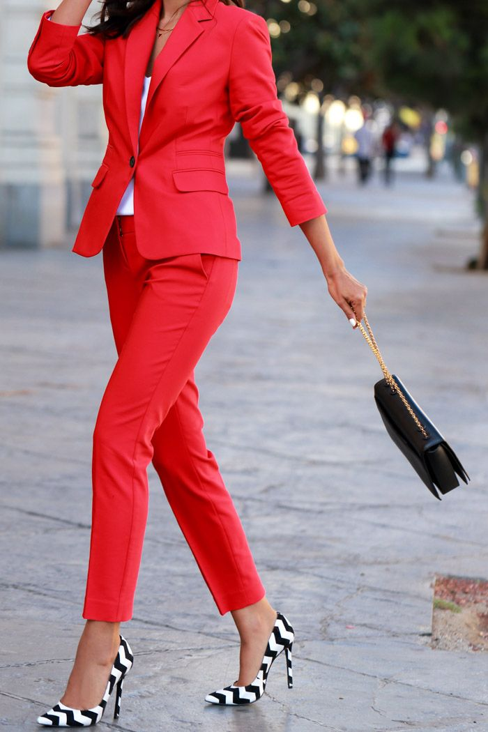 I have this suit. It is so cute. I get so many compliments. I pair with a white tank with nude Stewart Weitzman nudist heels or my ChristianLouboutin nude heels. Such a great look!!