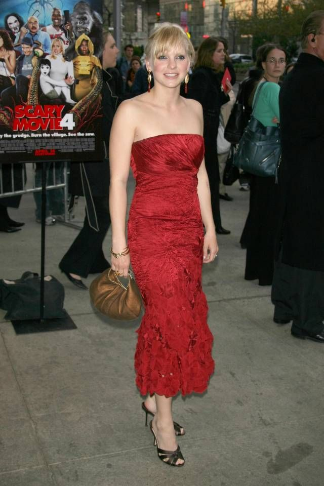 Princess diaries 2 red dress jennifer