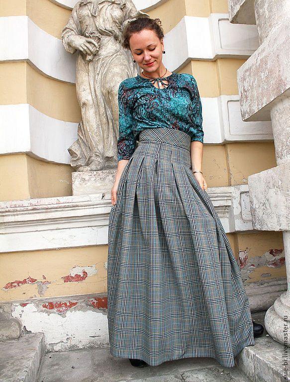 Купить или заказать Длинная юбка в клетку из шерсти  'Мэри' в интернет-магазине на Ярмарке Мастеров. Юбка в пол выполнена из элитной итальянской стопроцентной шерсти премиум класса. Модель юбки с завышенной талией и рельефным поясом, что зрительно стройнит, юбка очень пышная, у основания пояса выполнены складки в форме трапеции расходящиеся по бедрам. Уплотненный пояс и застроченные складки образуют корсет, который очень хорошо поддерживает животик.