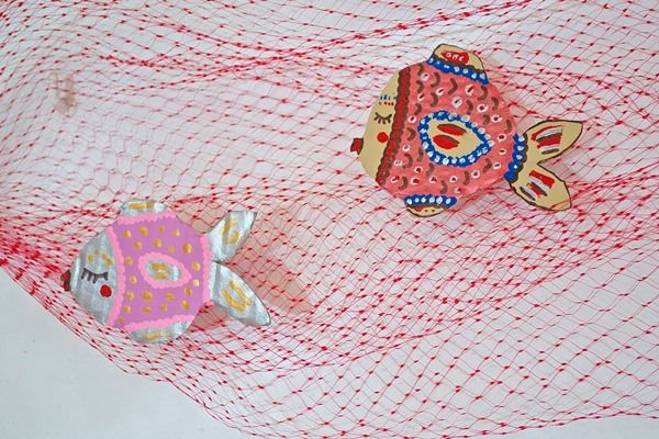 Crafts With Children…A Decorative Fish Web