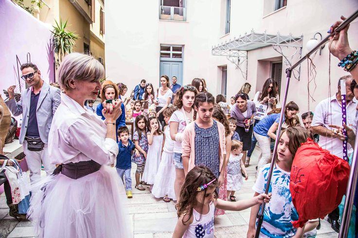 Σε ένα απίθανο event που έλαβε χώρα στο Ιωνικό Κέντρο, η Αθηνά Ματίς και το Plan B trends άλλαξαν τα δεδομένα του παιδικού πάρτι! Οι γονείς ενημερώθηκαν για τις τάσεις της παιδικής μόδας και της διακόσμησης που εκπαιδεύει αισθητικά το παιδί, ενώ οι μικροί καλεσμένοι διασκέδασαν με παιδικό θέατρο και origami! Γονείς και παιδιά ενώθηκαν σε ένα brunch που επιμελήθηκε με ξεχωριστό τρόπο η #ARIAFineCatering.