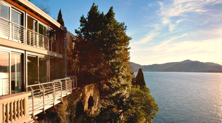 Wouldn't you love to wake up with this spectacular and private view on #LakeComo ? Just Experience Villa Amina Package! http://bit.ly/2nUZog9