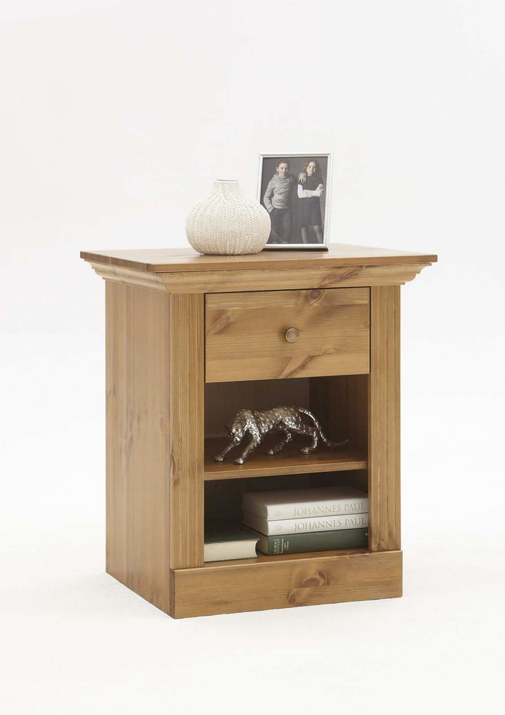 Steens Monaco 1 Drawer Bedside Table Solid Pine There's something about 'plain' solid pine furniture that makes a person feel right at home. The traditional style, single drawer bedside table is homely elegance at its finest. The Monaco range of furniture, from the Steens furniture collection, is known for its modern take on traditional styles and this bedside table / cabinet is a great example of that.