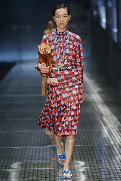 The complete Prada Spring 2017 Ready-to-Wear fashion show now on Vogue Runway.