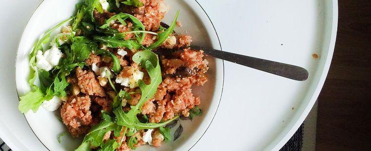 Gewoon wat een studentje 's avonds eet: Vega couscous met aubergine, courgette, tomatensau...