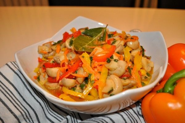Marinated Mushrooms with Bell Peppers
