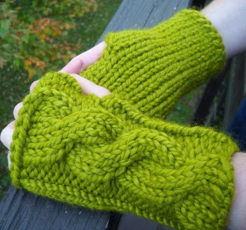 I love these fingerless mittens! :)
