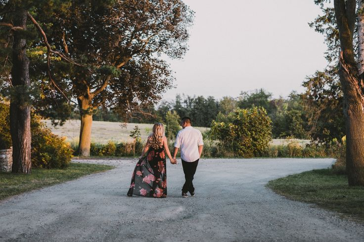 Engagement Session Outfit | Jessica Silveira Photography | Toronto Wedding Photography